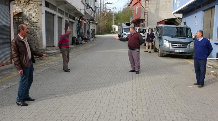 Bu sokakta karşıdan karşıya geçmek şehirlerarası yolculuk sayılıyor