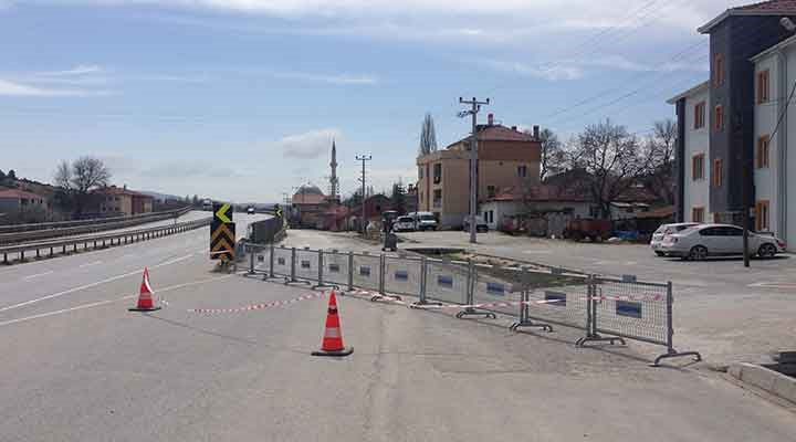 Bozüyük'ün Akpınar Mahallesi'ne giriş çıkışlar kapatıldı