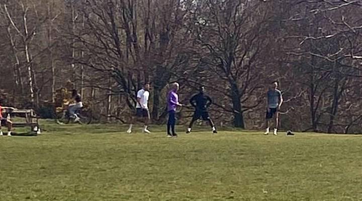 Mourinho ve futbolcular sosyal mesafe kuralına uymadı, antrenman yaptı