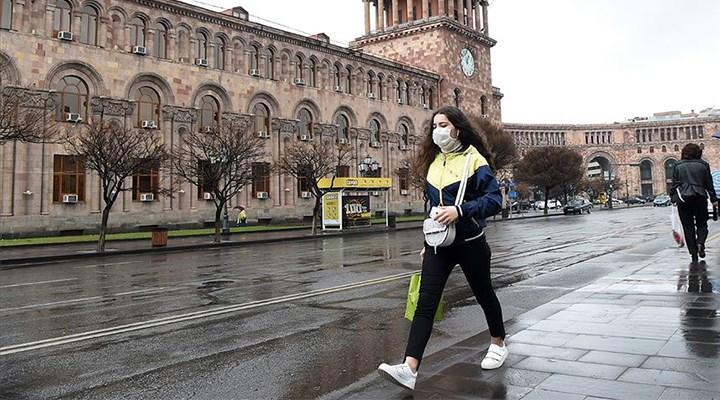 Ermenistan Türkiye'deki 70 vatandaşını tahliye ediyor