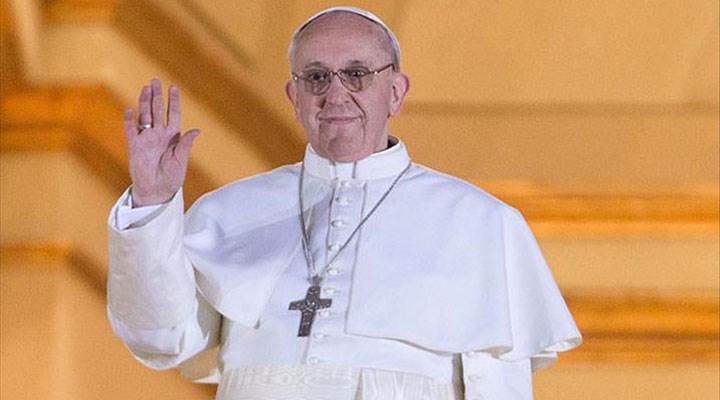 Papa tarihte ilk kez cemaatsiz Paskalya ayini düzenledi