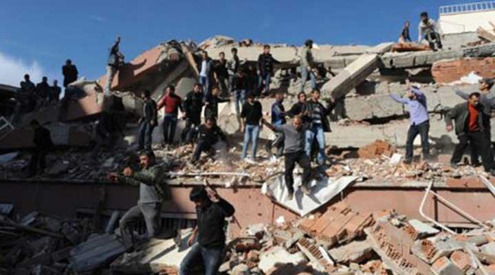 Van depreminde 39 kişinin hayatını kaybettiği 'Sevgi Apartmanı' müteahhitlerine beraat!