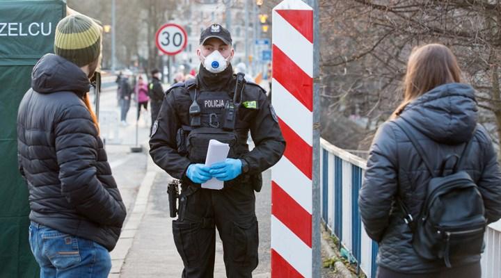 Polonya'da koronavirüs kısıtlamaları gevşetiliyor