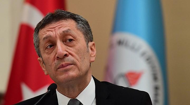 Bakan Selçuk 'okulların açılması' için mayıs ayını işaret etti