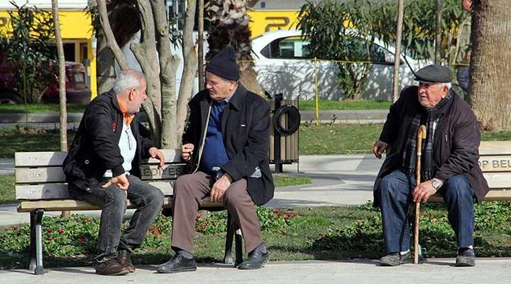 65 yaş üstü yurttaşların sokağa çıkması için imza kampanyası