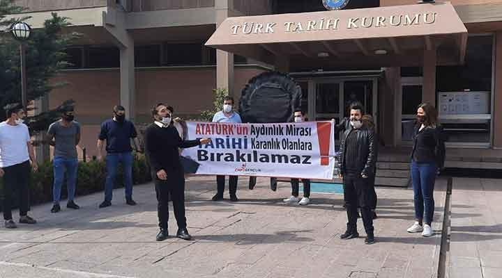 TTK'ya atanan Ensar Vakfı yöneticisi başkan protesto edildi