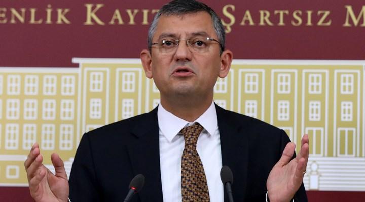 Özgür Özel: 'Erdoğan ve Bahçeli'nin prompterlarının kablosu aynı ...