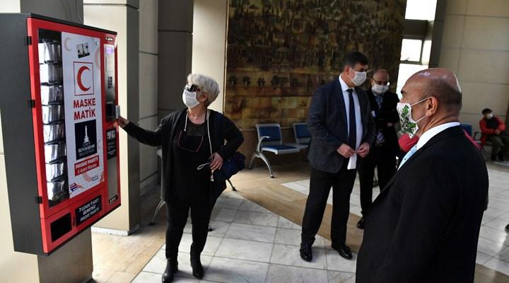 İzmir Büyükşehir Belediyesi bir günde 117 bin maske dağıttı