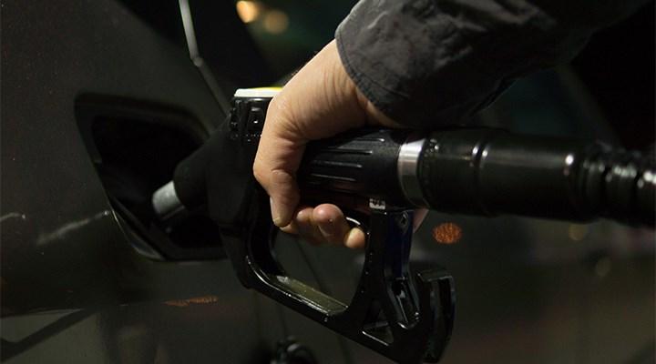 Benzin ve motorine 36 saatte üçüncü kez zam