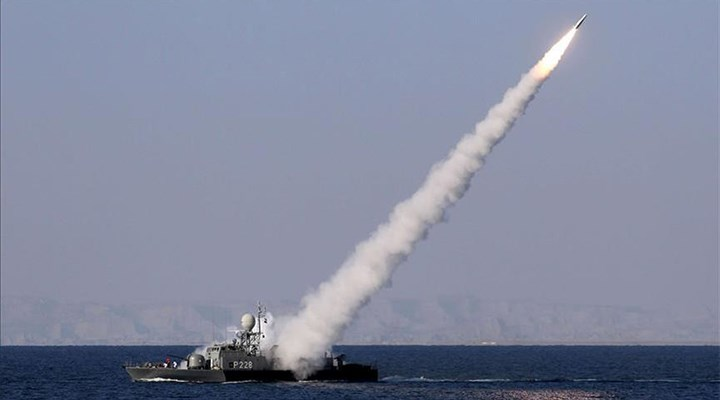 İran ordusu yanlışlıkla İran gemisini vurdu: 19 ölü