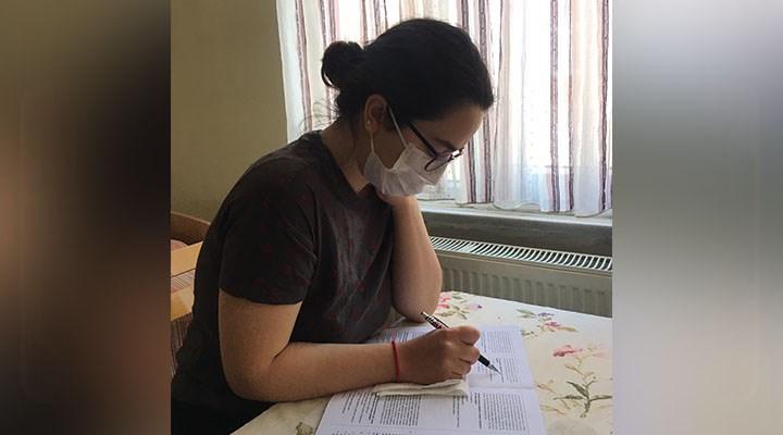Sınavlarda maske zorunluluğu öğrencileri endişelendiriyor: Gözlüklerim buğulanıyor, nefes alamıyorum