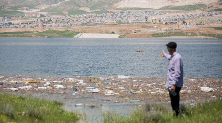 Hasankeyf'te tarih sulara gömüldü, çöpler gün yüzüne çıktı