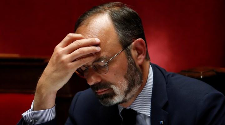 Fransa'da başbakan ve bakanlar hakkında koronavirüs suç duyurusu