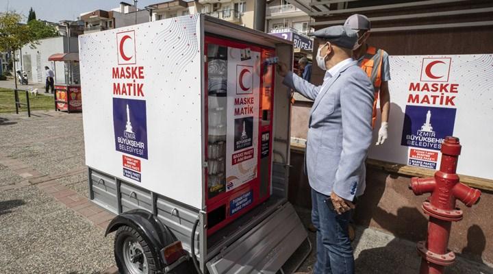 İzmir Büyükşehir Belediyesi, 'seyyar maskematik' uygulamasını başlattı
