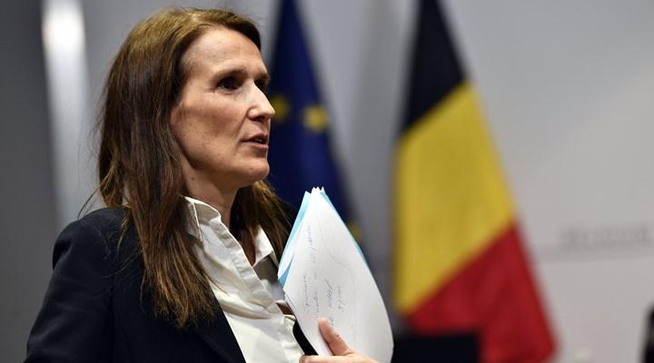 Belçika'da sağlık çalışanları Başbakan Wilmes'i protesto etti