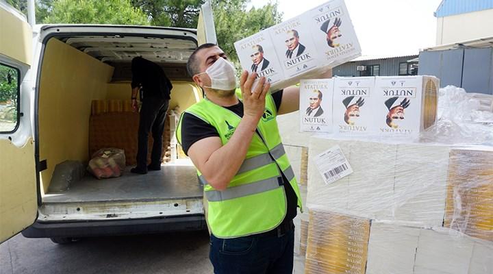 İzmir'in 19 ilçesinde 19 bin gence 19 bin Nutuk dağıtıldı