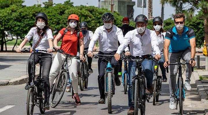 İzmir'de bisikletli ulaşıma yol açılıyor