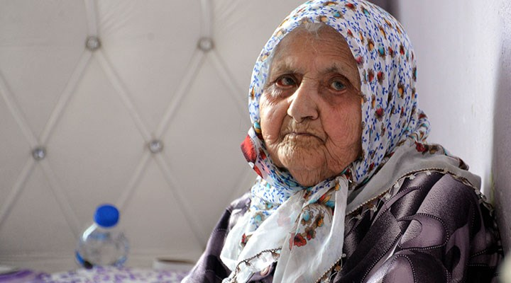 125 yaşındaki Eşe Gelebek, dünyada koronavirüsü yenen en yaşlı insan oldu