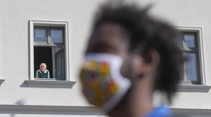 Almanya'da koronavirüs tedbirlerine karşı protestolar