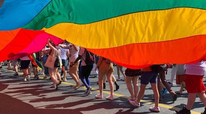 Kosta Rika'da eşcinsellerin evlenmesi yasalaştı