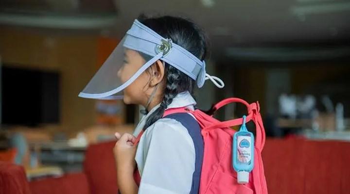 Singapur'da anaokulu ve ilkokullar 2 Haziran'da yüz koruyucu siperliklerle açılıyor