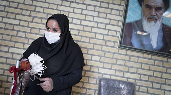 Camileri açan İran, son iki ayın en yüksek vaka sayısını gördü
