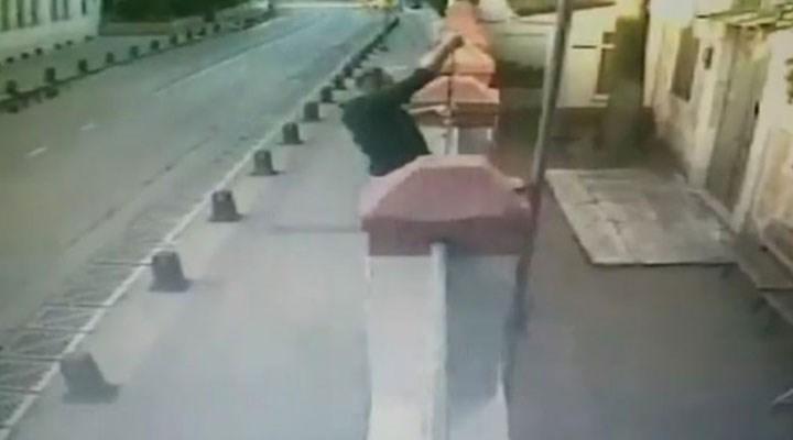 Ermeni Kilisesi'nin kapısındaki haçı söken kişi serbest bırakıldı