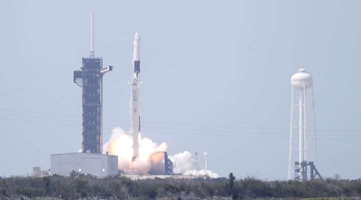 SpaceX'in fırlattığı Crew Dragon Kapsülü, Uluslararası Uzay İstasyonu'na bağlandı