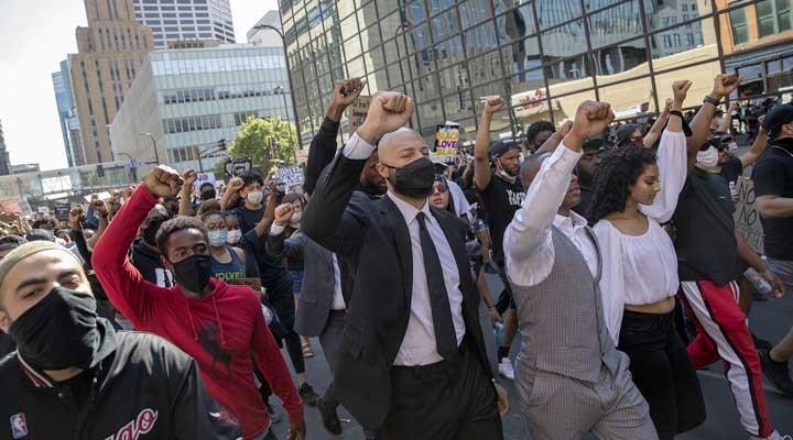 ABD'de kitleselleşen eylemler karşısında faşist uygulamalar devreye sokulacak