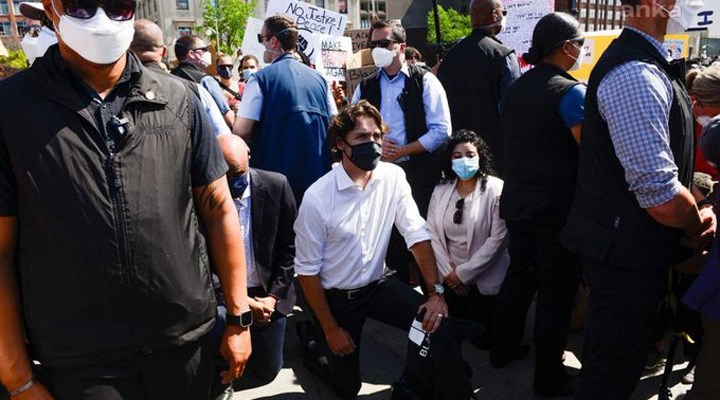 Trudeau, George Floyd'un öldürülmesini diz çökerek protesto etti