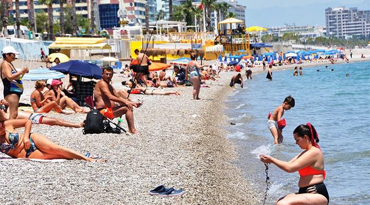 Normalleşme sonrası ilk pazar gününde sahiller doldu