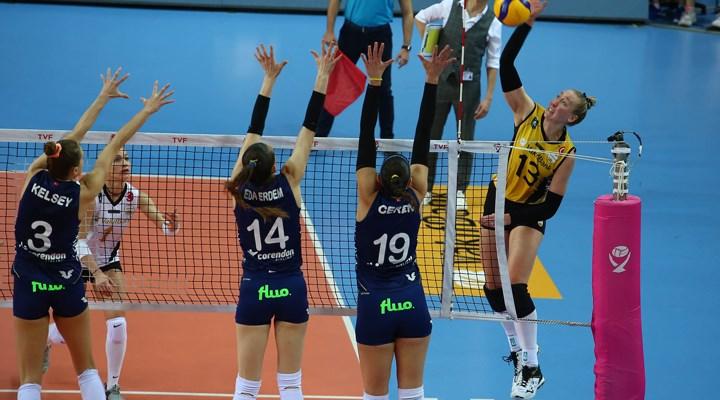 Fenerbahçe Kadın Voleybol Takımı'nda 5 oyuncu ile yollar ayrıldı