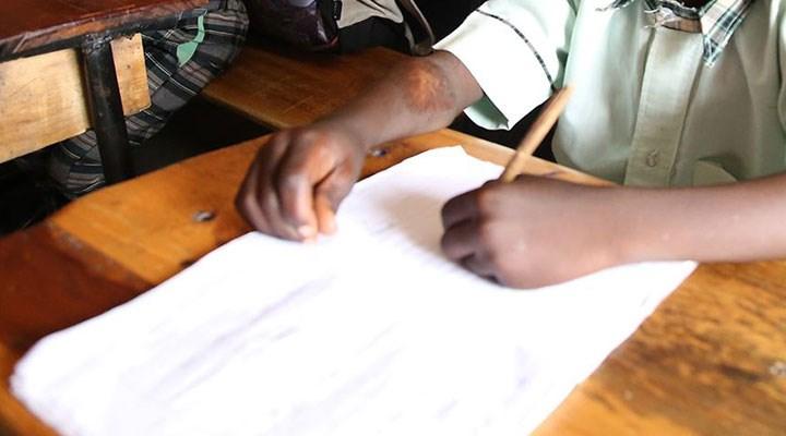 Güney Afrika Cumhuriyeti'nde 98 öğretmen ve bin 800 öğrencide koronavirüs tespit edildi