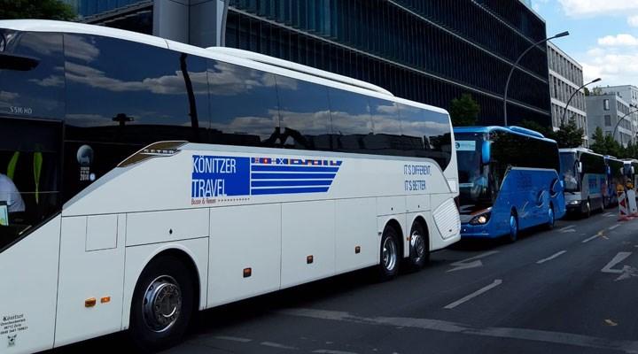 Berlin'de otobüs mitingi