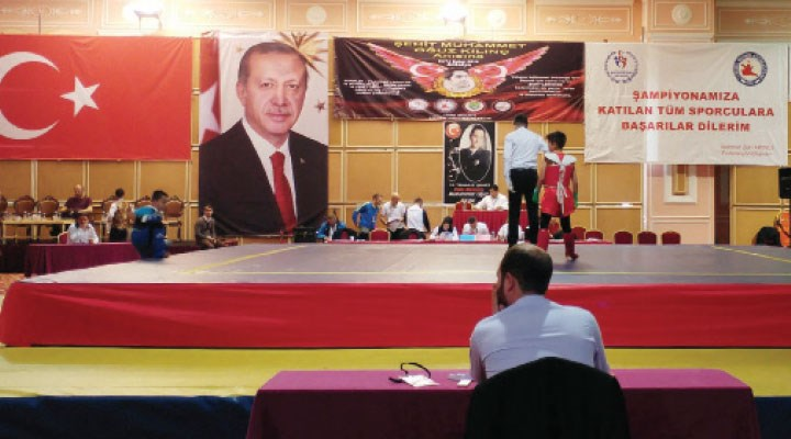 TWF Başkanvekili Abdurrahman Akyüz'den gerici kural: Kadın sporcuya erkek, erkek sporcuya kadın antrenör yok