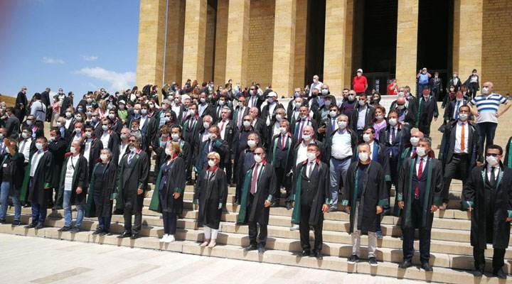 Direne direne kazandılar: Baro başkanları Anıtkabir'de
