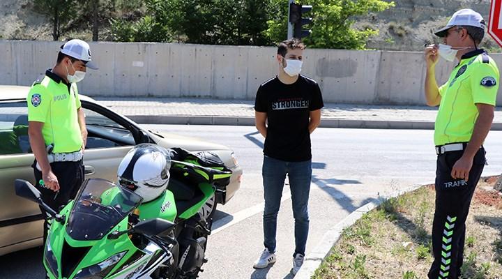 Dur ihtarına uymayan sürücü: Polis bana el sallıyor sandım