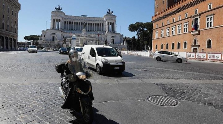 İtalya'da Covid-19 kaynaklı günlük ölüm sayısı tek haneye düştü