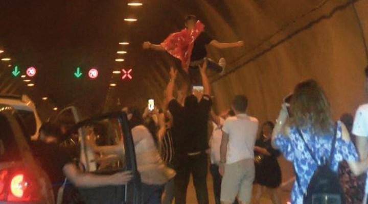 Kağıthane'de tünelde asker uğurlamasına 5 gözaltı