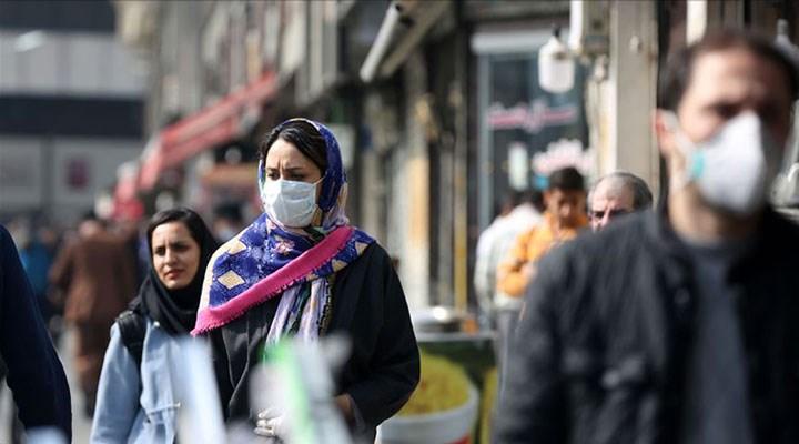 Salgında ikinci dalgayı yaşayan İran'da kısıtlamalar eski haline dönüyor