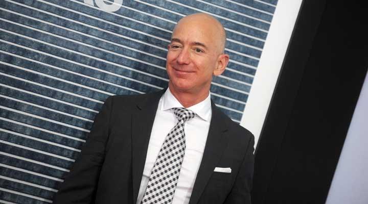 Jeff Bezos kendi servet rekorunu kırdı
