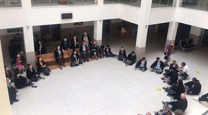 Didim'de avukatlardan oturma eylemi: Savunmaya dokunma