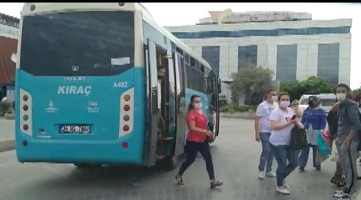 Esenyurt'ta fazla yolcu taşıyan otobüs trafikten men edildi