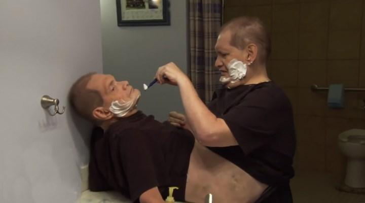 Dünyanın en yaşlı yapışık ikizleri 68 yaşında yaşamını yitirdi