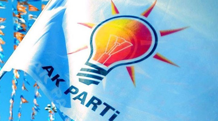 AKP'li 5 ilçe başkanı istifa etti