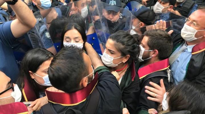 Meclis'e yürümek isteyen baro başkanlarına polis engeli