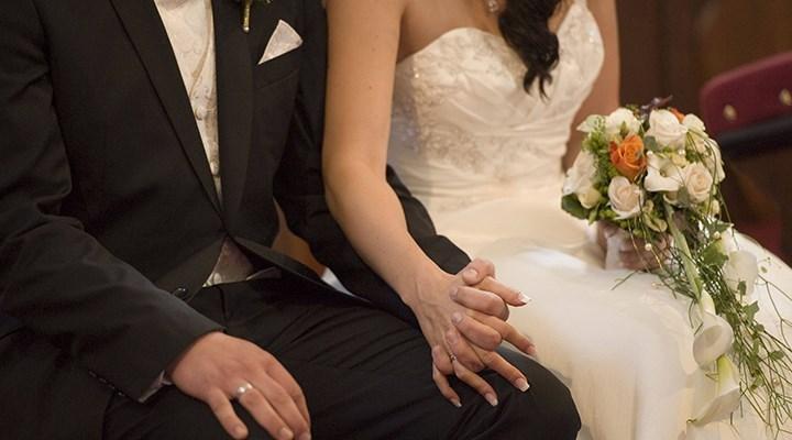 Gelin ve damat, düğünde koronavirüs kaptı