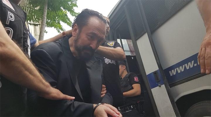 Adnan Oktar'dan mahkemeye 'maske' dilekçesi