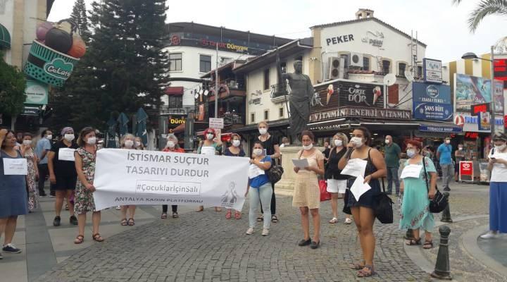Antalya Kadın Platformu: Çocuk istismarının meşrulaştırılmasına göz yummayacağız