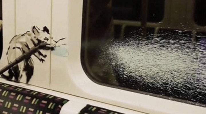 Banksy'den Londra metrosunda koronavirüs çizimleri